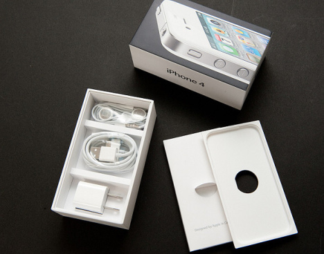 white-iphone-4-unboxed